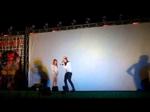 Lâm Chấn Khang hài hước với khán giả nữ