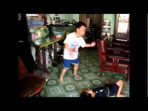 Điệu nhảy hip hop của Anh Khoa