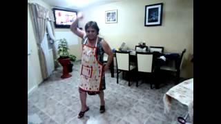 Abuela bailando Gangnam Style