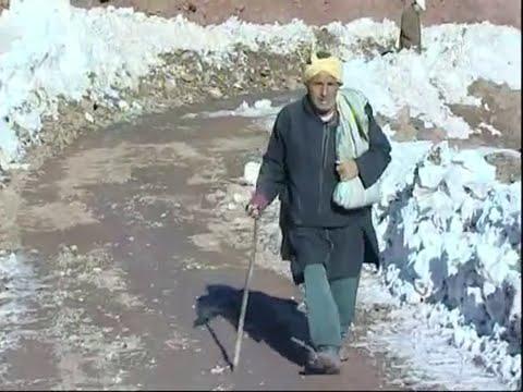 الثلوج تفرض العزلة على دواوير بجماعة إمي نوولاون