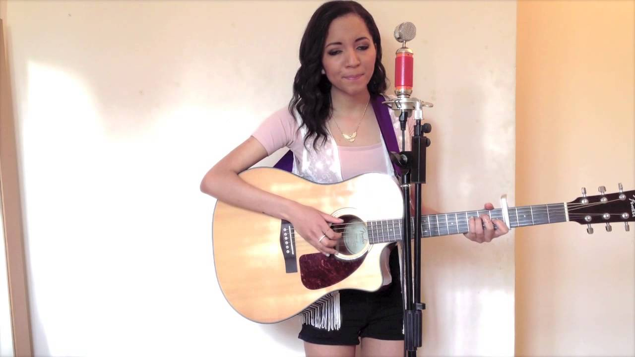 Chandelier - Sia Cover by Laura Zocca - YouTube