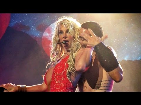 Britney Spears - Baby One More Time/ Oops I Did It Again (Live From Las Vegas)