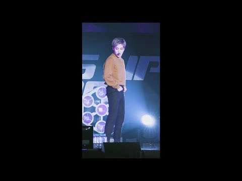 [#XIUMIN Focus] EXO 엑소 '닿은 순간 (Ooh La La La)' @COMEBACK SHOWCASE
