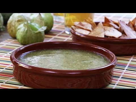 Condiment Recipes - How to Make Tomatillo Salsa Verde