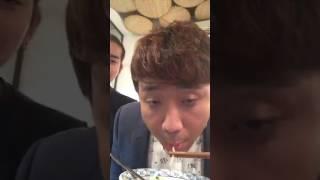 MC Trấn Thành - Livestream A Xìn đi ăn cùng BB Trần!