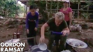 Chef Struggles to Cook Vietnamese Rice - Gordon Ramsay