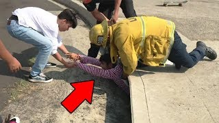 12 YouTubers Who Literally Got Stuck