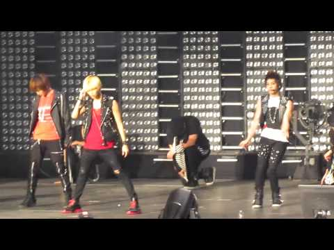[HD] SHINee Ring Ding Dong at SMTown NYC MSG