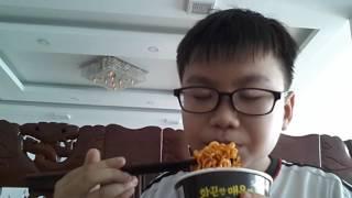 Thử thách ăn mỳ cay samyang