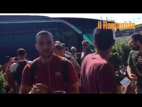 VIDEO - La Roma parte da Fiumicino per raggiungere Madrid