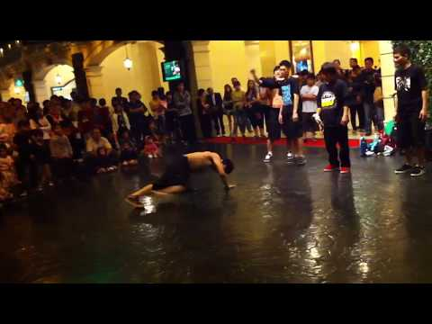 Street Dance Performance @ First World Hotel Lobby