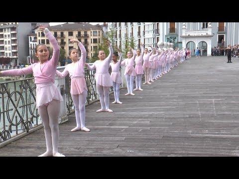 Oriako barandilla ballet erakustaldia egin dute