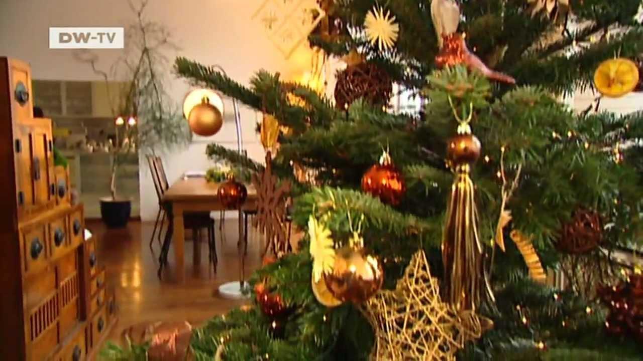 der perfekt geschm ckte weihnachtsbaum euromaxx. Black Bedroom Furniture Sets. Home Design Ideas