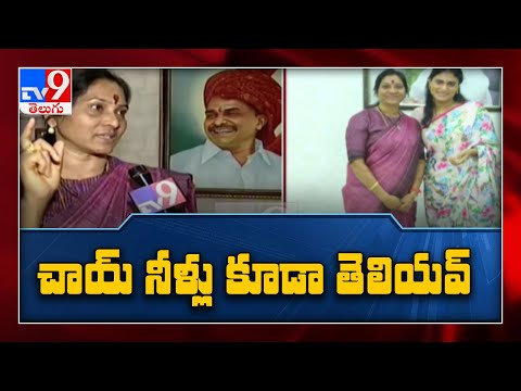TPCC spokesperson Indira Shoban meets YS Sharmila, says ready to work for new outfit