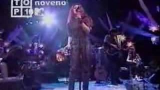 Shakira - No Creo thumbnail