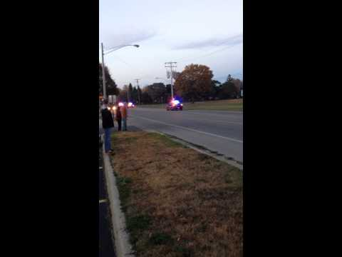 Колку полициски коли се потребни за да фатат 1 криминалец со скутерче?