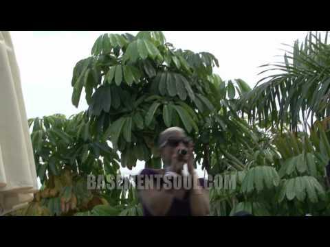 "WMC2011 - Roland Clark part 4 --- ""Q - Outside in the Rain"""