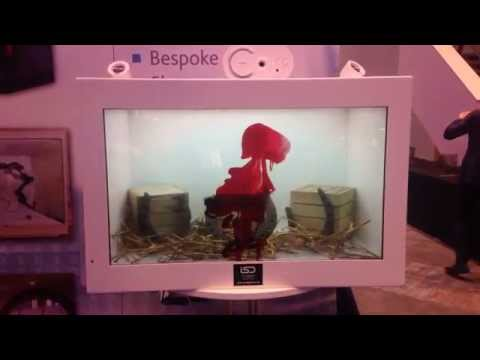 cThru Display Case - Combining Real Products with Digital Content