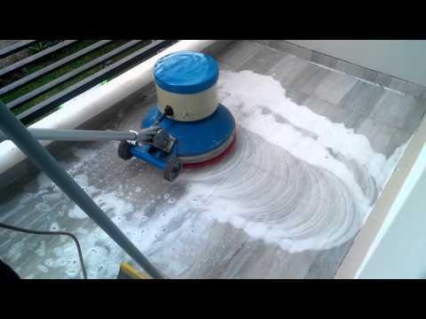 cuci dan poles lantai marmer