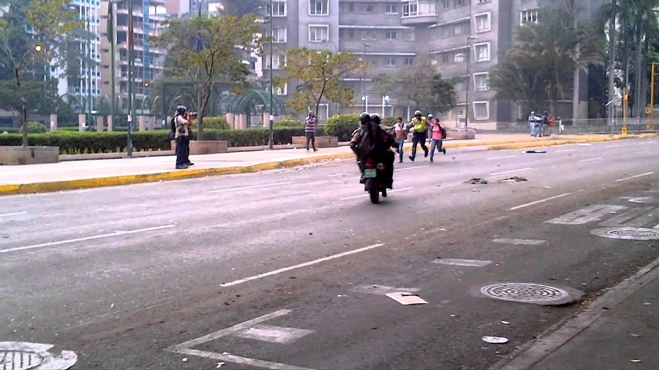 Venezuela Resist - Magazine cover