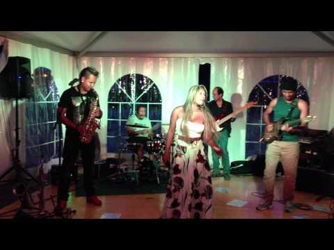 Baixar Janaina Mello , Cantando Couche Daniela Mercury  IMG 0817