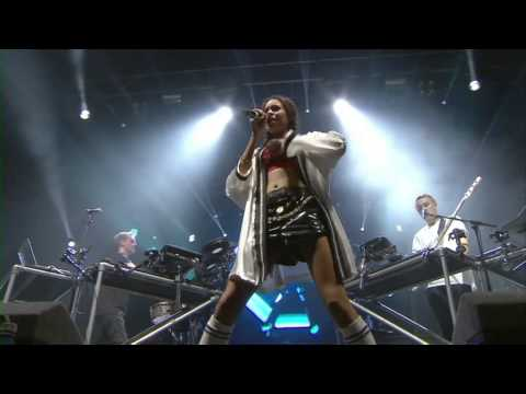 Disclosure - White Noise (feat. Aluna) At Reading Festival 2013 - Smashpipe Entertainment