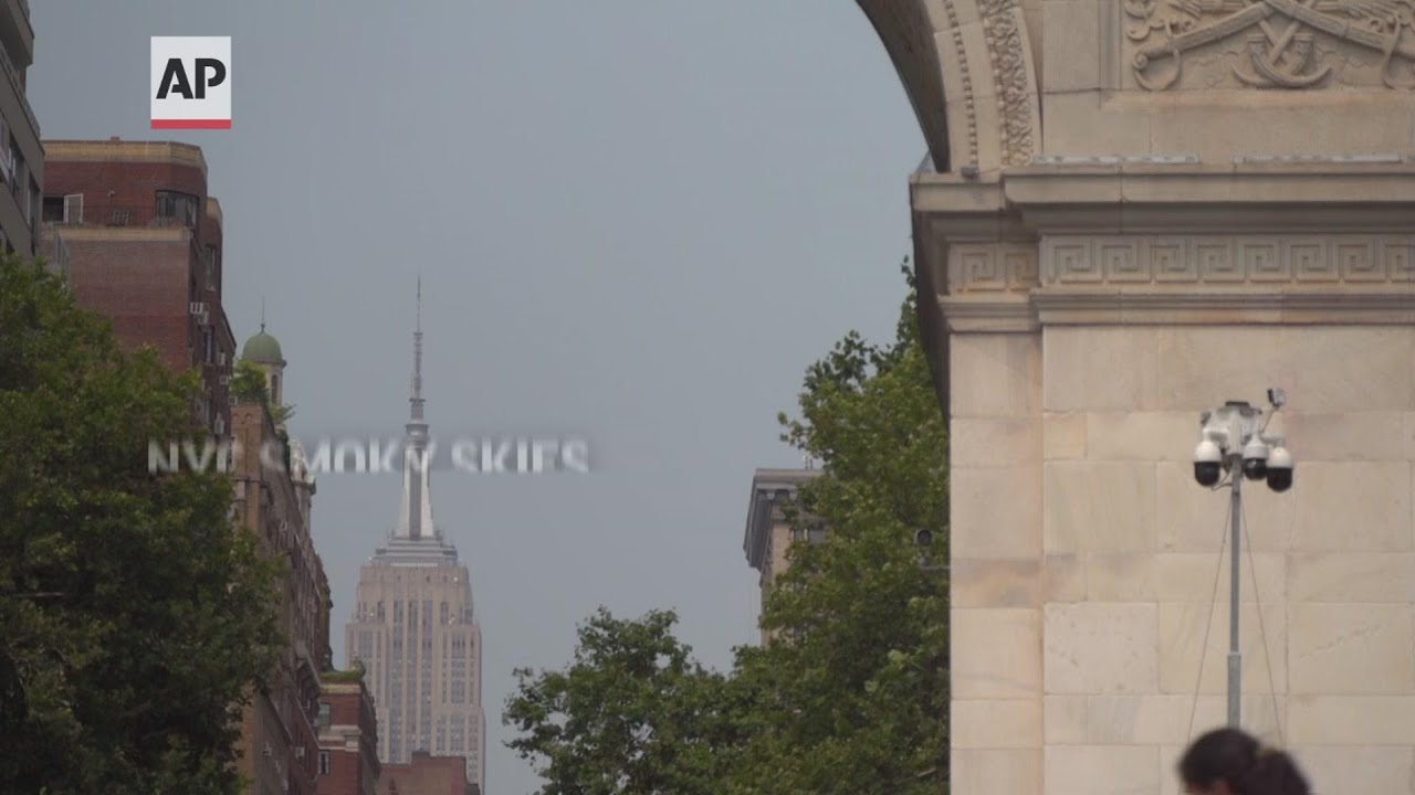 Smoke from western wildfire clouds NYC