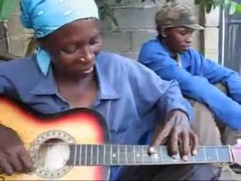 la o el mejor guitarrista de calle...