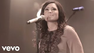 'Hands to the Heavens (Live)' | Kari Jobe