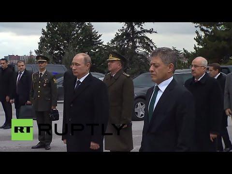 Turkey: Putin pays respects to Ataturk in Ankara