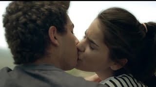 Kids Kissing | Young Couple Kissing | Young Boy And Girl Kissing | Girlfriend Boyfriend Kissing |