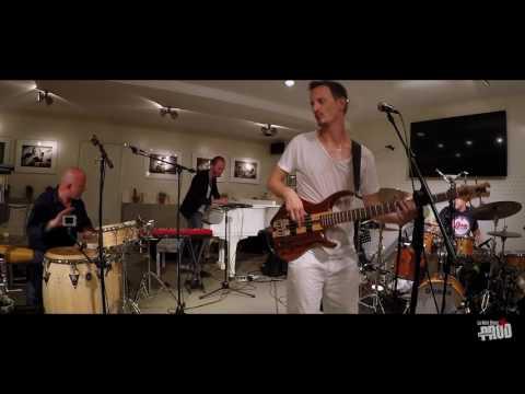 GUILLAUME FARLEY | LA NOTE BLEUE (MONACO) Francois Constantin - Percussion | Vincent Bidal - Piano | Nicolas Viccaro - Drums | 2016