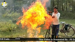 पानी से लगाया आग ..See what happens when we put water on boiling candle