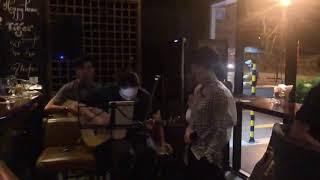 Em ngày xưa khác rồi live - Hiền Hồ Acoustic