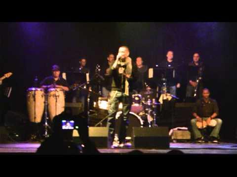 VICTOR MANUELLE - SI TU ME BESAS LIVE EN GIRONA 2012