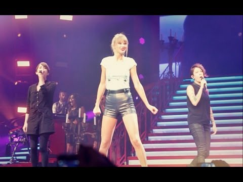 """Taylor Swift & Tegan and Sara Performing """"Closer"""" (LIVE AT STAPLES CENTER AUG. 20TH, 2013)"""