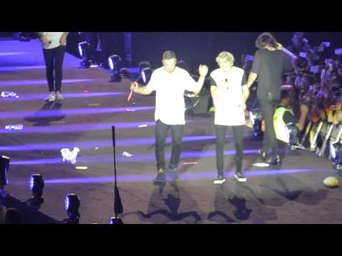 21. One Direction - A little beatboxing and Story Of My Life-OTRA Singapore