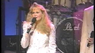 Daddy's Home.  Karen Peck And New River.  1994(Live From the Alabama Theatre)