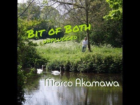 'Bit of Both' (unplugged) © Marco Akamawa