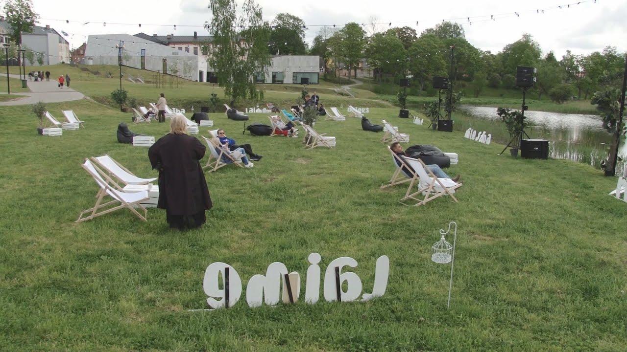 Dobelnieki un novada viesi svin ikgadējo Ceriņu festivālu