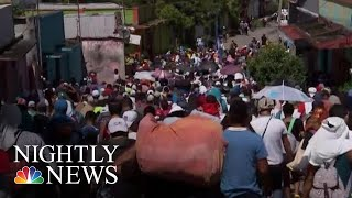 Over 7,000 Migrants Defiantly March Towards U.S. Border | NBC Nightly News
