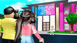 This Hotel Was COUPLES ONLY.. OWNER Wants Us To BREAK UP! (Roblox Bloxburg)