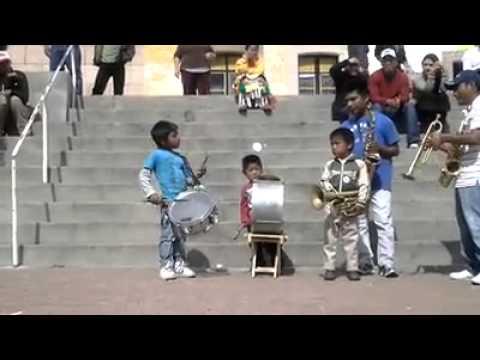Sones con banda - Arriba Pichataro (Banda El Recodo) 2013