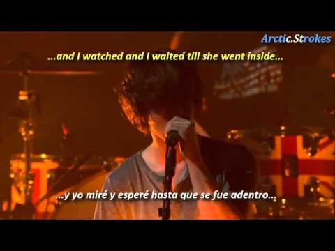 Arctic Monkeys - Do me a favour (inglés y español)