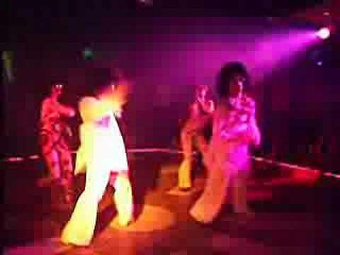 Show Baile Música de los 80 - 90 Discoteca Maitai