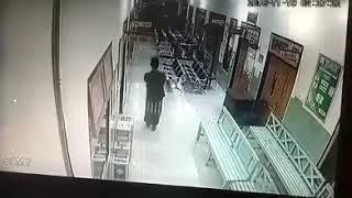 Aksi Pencurian Kotak Amal di RS Madina Ngunut Terekam CCTV