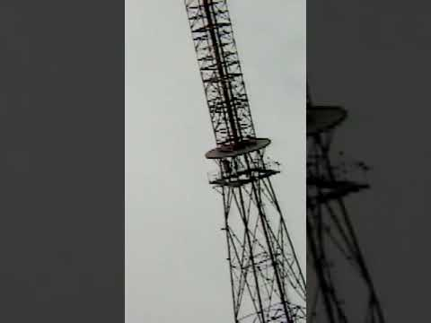Collapsing of a 340ft Steel Radio Tower #shorts