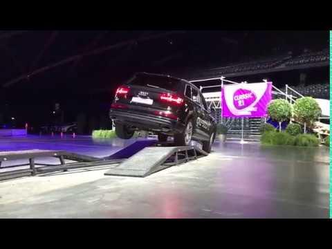 Audi Q7 e-tron quattro - Autosalon 2017