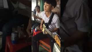 13 tuổi mà đàn y chang nhac sĩ hoàng vũ
