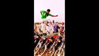 Amazing stunt: Long jump by a guy over 11 bikes has left p..
